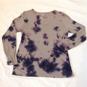 Time & Tru Tie Dye long sleeve T-shirt